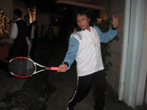 Ore-sama hitting a forehand (ghostlightning as Atobe Keigo, Capt. of the 300-strong Hyotei Gakuen Tennis Club