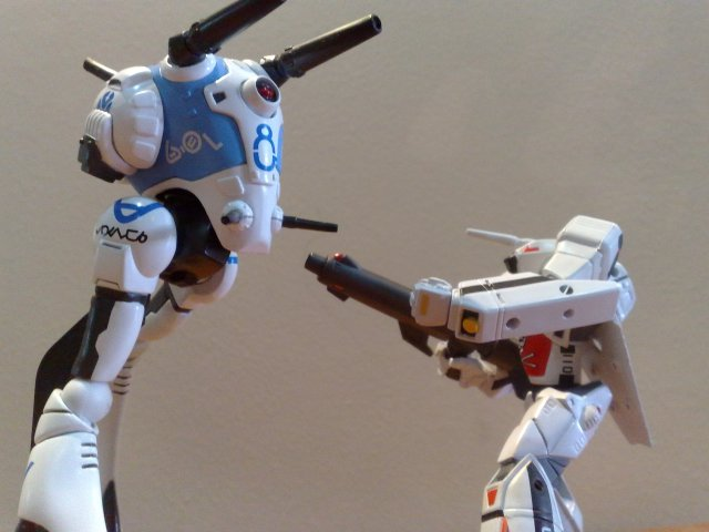macross revoltech regult vs vf-1a