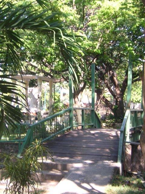 ayala alabang village narra park bridge 2007
