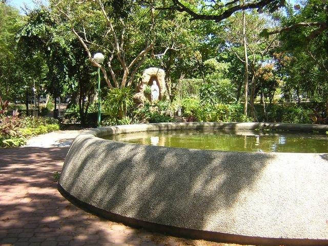 ayala alabang village narra park pond 2007
