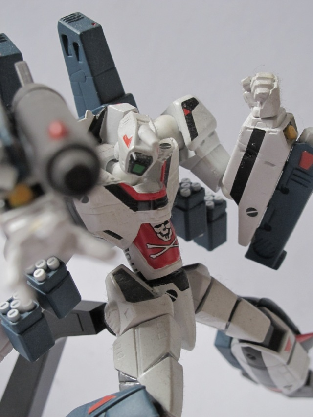 macross vf-1a revoltech with s parts