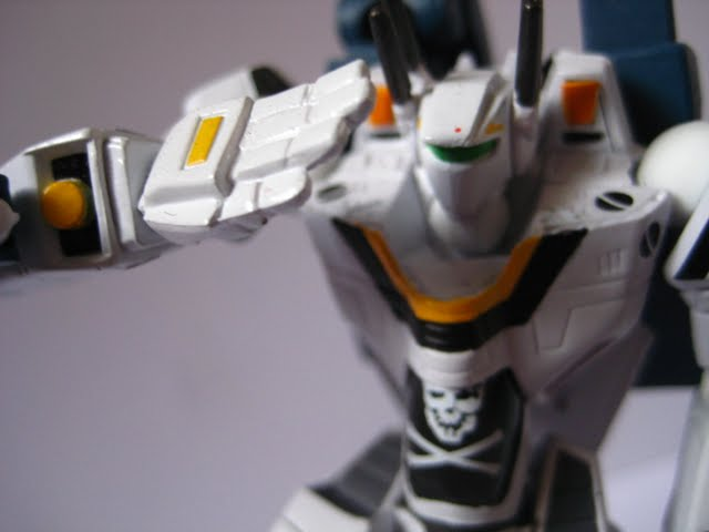 macross vf-1s super focker-ichijo skull leader salute
