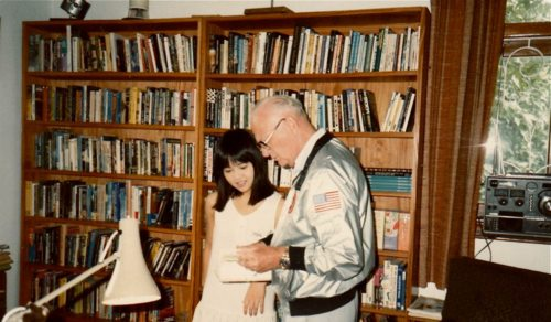 Iijima Mari with Arthur C. Clarke in Sri Lanka '84